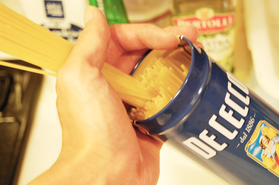 DECECCO缶