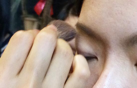 目元の化粧